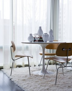 saarineen table via twentyfirstcenturyretro