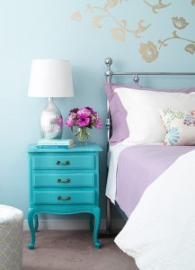 Turquoise-Aqua-bedroom-interior-design---decor-----bedroom-design---interiors-via-the-sweetestoccasion