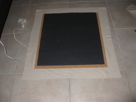 diy_framed_corkboard_4